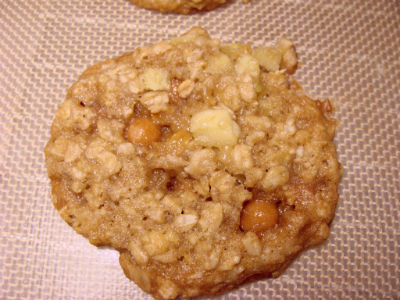 Caramel Apple Oatmeal Cookie